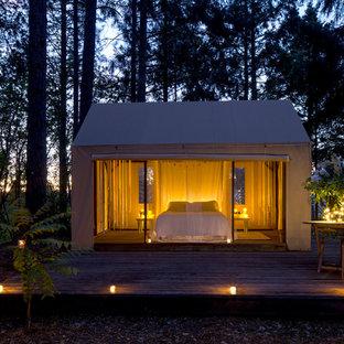 Inspiration pour une petit maison d'amis séparée traditionnelle.