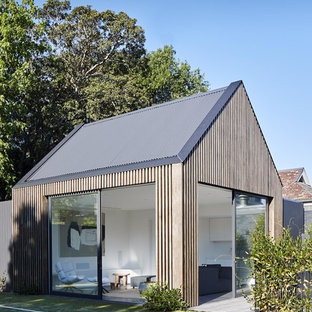 Contemporary detached granny flat in Melbourne.