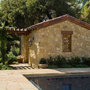 Fesselnd Freistehendes Mediterranes Gartenhaus Als Gästehaus In Los Angeles