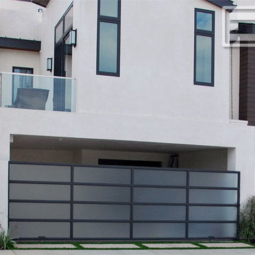 Modern Architectural Driveway Gates   Automatic, Remote-Controlled Rolling Gates
