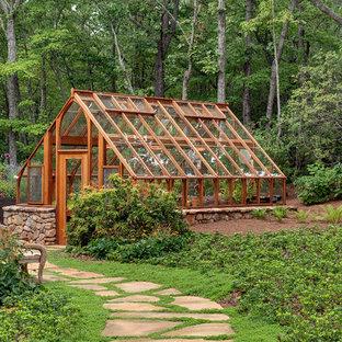 Idee per un serra indipendente tradizionale