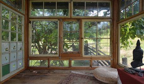 My Houzz:リサイクル材料&DIYで建てた、光と風があふれる「窓の小屋」