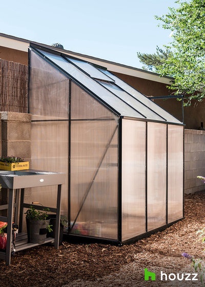 Transitional Granny Flat or Shed by Serquis + Associates Landscape Architecture