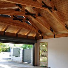 Tropical Garage And Shed by Fujita + Netski Architecture, LLC