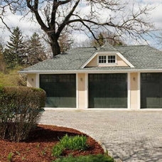 Traditional Garage And Shed by GUILTEC LLC