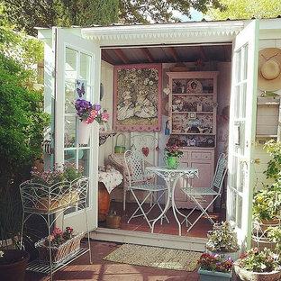 Idéer för att renovera en eklektisk garage och förråd