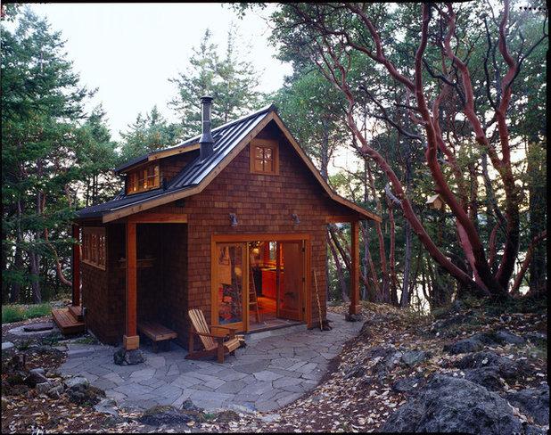 Rustic Shed by David Vandervort Architects