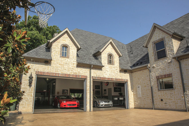 Traditional Garage And Shed by Platinum Series by Mark Molthan