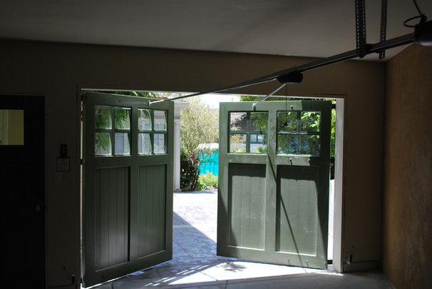 Traditional Garage And Shed by Castle Rock Construction