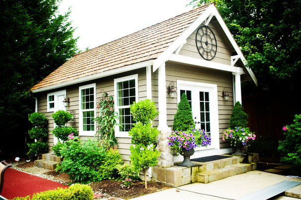 Craftsman Garage And Shed by McCarthy Custom Homes LLC.