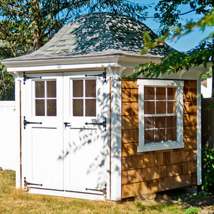 Design ideas for a mid-sized arts and crafts detached shed and granny flat in New York.