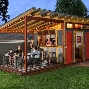 Inspiration för en mellanstor lantlig garage och förråd