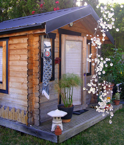 Midcentury Granny Flat or Shed by Lisa Hallett Taylor
