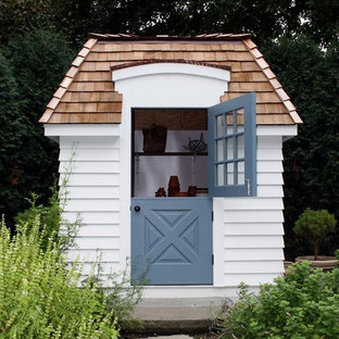 Garden shed - mid-sized traditional detached garden shed idea in Chicago