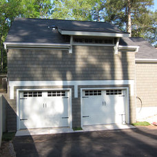 Traditional Garage And Shed by form design pllc