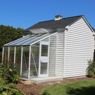 Design ideas for a mid-sized country detached greenhouse in Boston.
