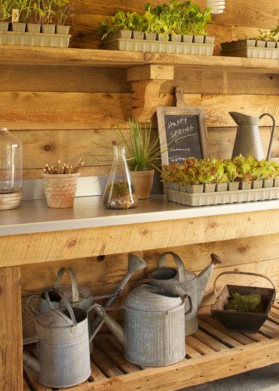 Rustikal Gartenhaus by Greenworld Pictures Inc