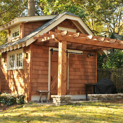 traditional garage and shed by Clark Harris