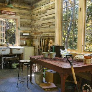 Example of a mid-sized mountain style detached garden shed design in Nashville