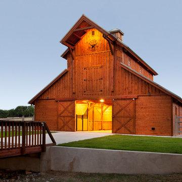 Raised Center Barn in Texas