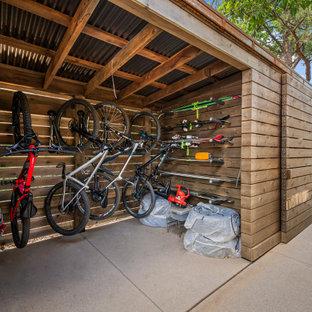 Foto på en orientalisk garage och förråd