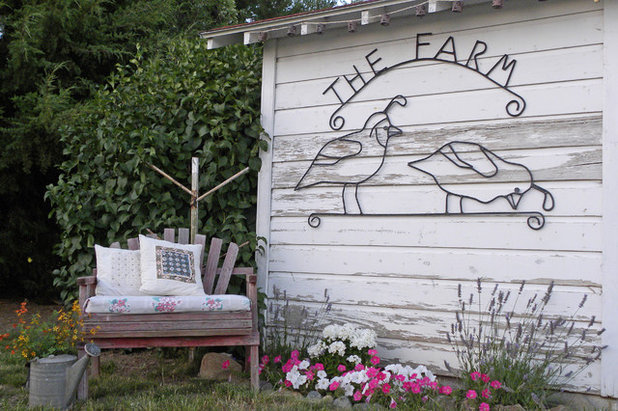 Farmhouse Shed by Sarah Greenman