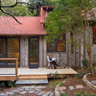 サンフランシスコのエクレクティックスタイルのおしゃれな物置小屋・庭小屋の写真