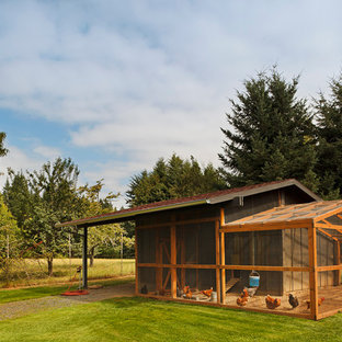 Design ideas for a country detached barn in Portland.