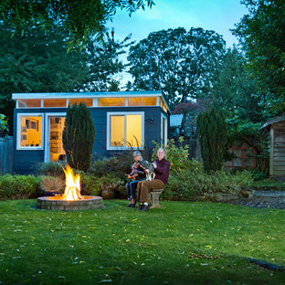 Design ideas for a mid-sized modern detached studio in Seattle.