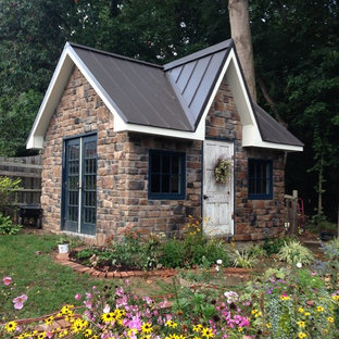 Mid-sized traditional detached garden shed in DC Metro.