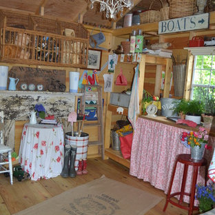 This is an example of an eclectic shed and granny flat in Charlotte.