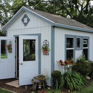 Inspiration for a rustic garden shed remodel in Milwaukee