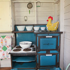 Farmhouse Garage And Shed by Julie Ranee Photography