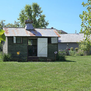 Example of a farmhouse detached studio / workshop shed design in Columbus