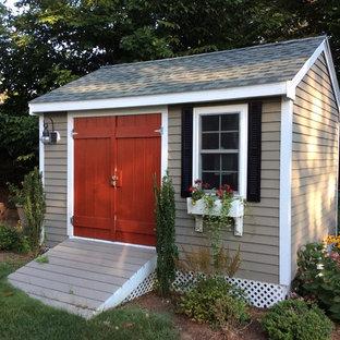 Inspiration för mellanstora klassiska fristående trädgårdsskjul