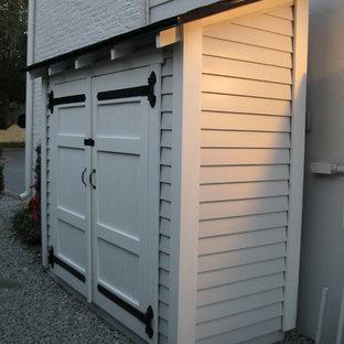Inredning av en klassisk garage och förråd