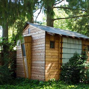 Inspiration pour un abri de jardin séparé rustique de taille moyenne avec un abri de jardin.