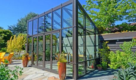 A Cozy Backyard Escape Warms Seattle Gardeners