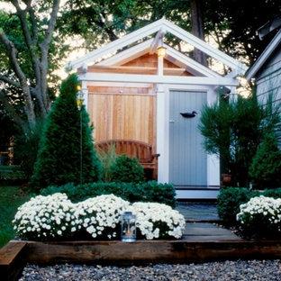 Idées déco pour un petit abri de jardin séparé bord de mer avec un abri de jardin.