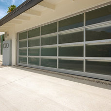 Midcentury Garage And Shed by H3K Design