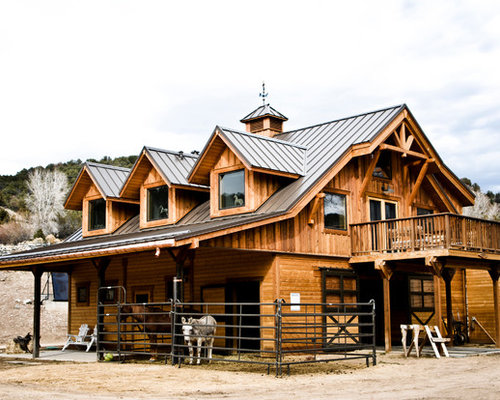 Barn with living quarters home design ideas pictures for Horse barn with apartment plans