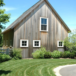 Photo of a large country detached barn in Boston.