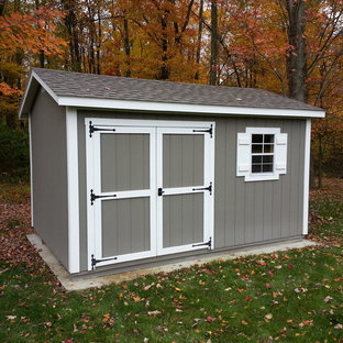 Mid-sized transitional detached garden shed in Columbus.