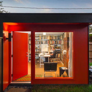 This is an example of a small modern shed and granny flat in Kansas City.
