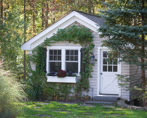 Inspiration For A Timeless Detached Garden Shed Remodel In New York