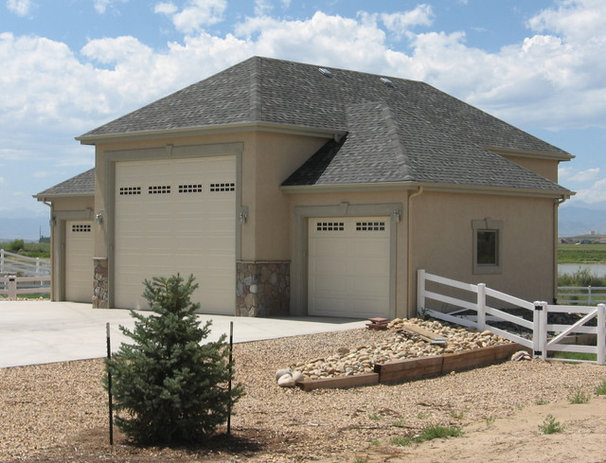 Traditional Garage And Shed by Sierra Enterprises, Inc.