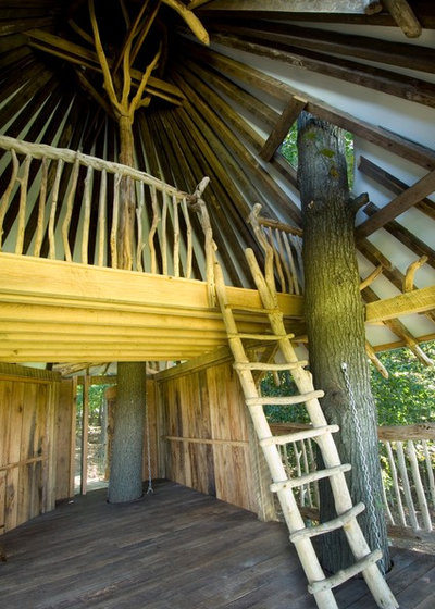 Tropical Shed by Hugh Lofting Timber Framing, Inc.