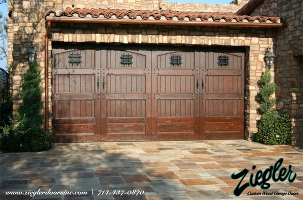 Traditional Garage And Shed by Ziegler Doors Inc.