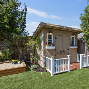 Example of a classic detached shed design in San Francisco