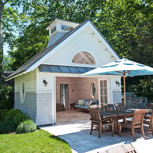 This is an example of a large traditional detached shed and granny flat in New York.